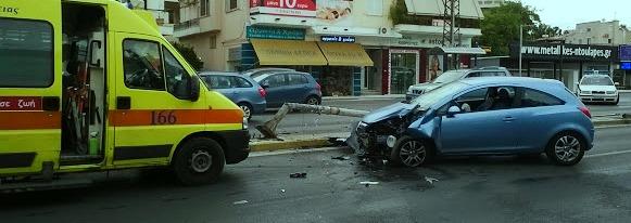 Σοβαρό τροχαίο στον Χολαργό ευτυχώς χωρίς τραυματισμούς ....