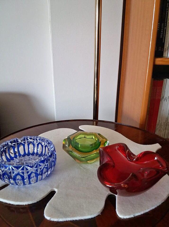 Πωλούνται Τασάκια κρυστάλλινα σε υπέροχα σχέδια