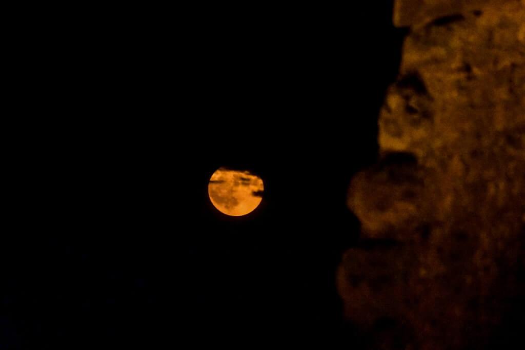 Πανσέληνος 2019: Το ολόγιομο φεγγάρι στον ουρανό