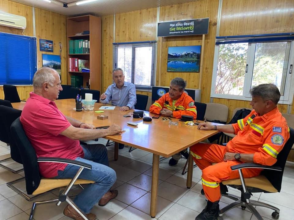 Ηλίας Αποστολόπουλος: Συγχαίρει τους Εθελοντές δασοπροστασίας Παπάγου - Χολαργού